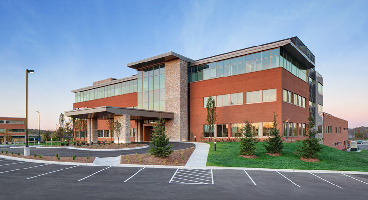 Froedtert Moorland Reserve Health Center; New Berlin, WI; HGA Architects & Engineers; CG Schmidt; Darris Lee Harris Job#1157